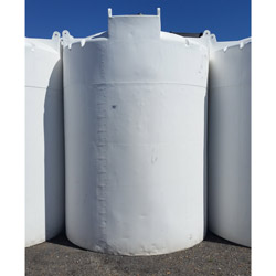 3000 Gallon Opaque White Plastic Vertical Dome Top Tank (Blem)